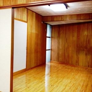 窓際ベンチシートCafe気分。 洋室左収納側
