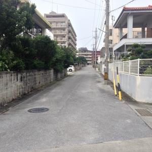マンション前の通り