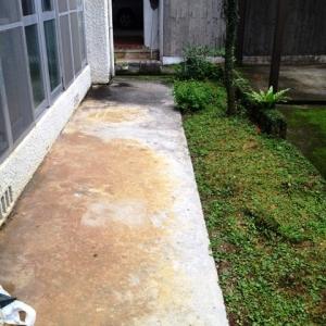 Around『首里劇場』 掃出し窓外側