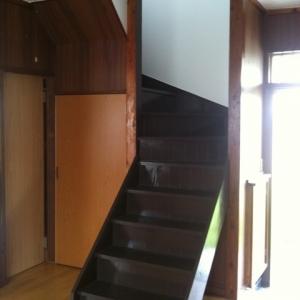 借地 de一戸建て。 キュート?な階段