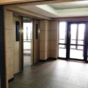 見晴るかす街の息吹  エレベーターホール