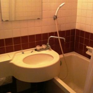 城下町の低層マンション①  洗面+浴槽