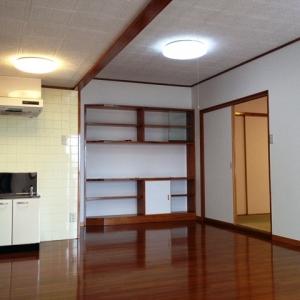 ハーフ&ハーフ ダイニング+壁面収納+和室へ